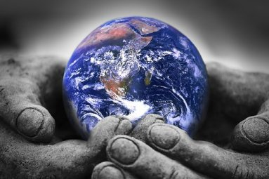 world, earth in hands2